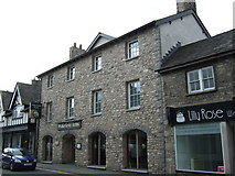 SD5193 : The Wakefield Arms, Kendal by JThomas