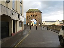 SO5012 : Western Gates sits atop Monnow Bridge in Monmouth by Peter Wood