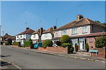 TQ4667 : Hayfield Road by Ian Capper