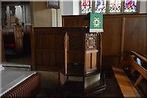 TQ5246 : Church of St Luke - pulpit by N Chadwick