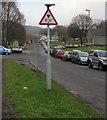 "ST2194 : Warning sign - 11' 0"" bridge ahead, Abercarn by Jaggery"