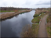 TQ3784 : River Lea flowing through the Queen Elizabeth Olympic Park by Marathon