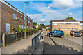 TQ4768 : Oldbury Close by Ian Capper