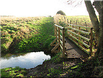 TG3203 : New footbridge on new permissive path by Evelyn Simak