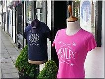 SU7682 : Henley Regatta - Get the T-Shirt by Colin Smith