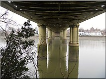 TQ1977 : Kew Railway Bridge [3] by Michael Dibb
