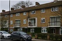 TQ2889 : Nineteen-fifties flats, Fortis Green, London N2 by Christopher Hilton