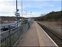 SS8591 : West along Maesteg railway station platform by Jaggery