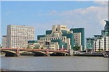 TQ3078 : Vauxhall Bridge and MI6 HQ by N Chadwick