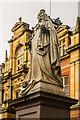 SP3165 : Statue of Queen Victoria by Ian Capper