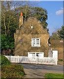 TQ1873 : Farm Lodge, Petersham by Stefan Czapski