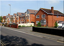 ST3050 : Berrow Road houses,  Burnham-on-Sea by Jaggery