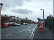 NS6064 : Bus stop and shelter on Bellgrove Street, Glasgow by JThomas