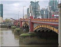 TQ3078 : Vauxhall Bridge, London by Paul Harrop