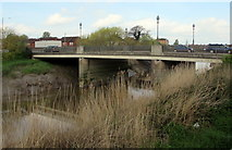 ST3037 : The Clink road bridge over the Parrett, Bridgwater by Jaggery