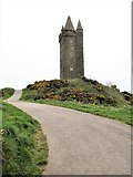 J4772 : Approaching Scrabo Tower from the south by Eric Jones