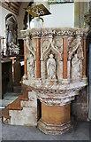 TQ0682 : St John the Baptist, Hillingdon - Pulpit by John Salmon