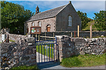 NM2824 : Iona Parish Church by Ian Capper