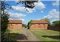 SU8375 : Driveway near Beenham's Farm by Des Blenkinsopp