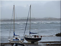 J3829 : Yachts stranded at the entrance to Newcastle Harbour by Eric Jones