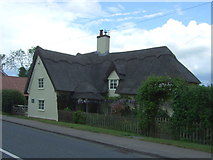 TL8647 : Thatched cottage on High Street, Long Melford by JThomas