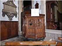 TQ2075 : St Mary the Virgin, Mortlake: pulpit by Basher Eyre
