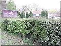 SU9699 : Nameboard and Garden, Guido's Italian Restaurant, Amersham by David Hillas