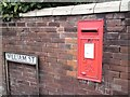 SJ9298 : George VI postbox (OL7 9D) by Gerald England