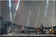 NS5964 : London Grammar on stage at the TRNSMT Festival, Glasgow Green by Mike Pennington