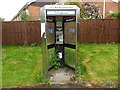 SU7099 : KX300 Telephone Kiosk in Postcombe by David Hillas