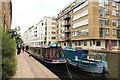 TQ3283 : Regent's Canal by Richard Croft