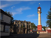 SO1408 : Tredegar Clock and Former Town Hall by Chris Andrews