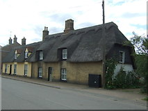 TL4568 : Thatched cottages on High Street, Cottenham by JThomas
