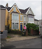 ST3288 : Yellow house, Maindee Parade, Newport by Jaggery