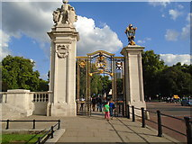 TQ2979 : Gate at St James's Park by Paul Gillett