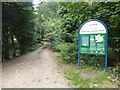 TQ5193 : The London LOOP enters Havering Country Park by Marathon