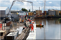TA1031 : Flood defence work on the River Hull by Ian S