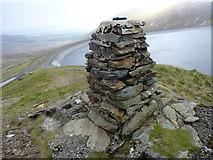 SH6161 : A non-Ordnance Survey triangulation pillar overlooking Marchlyn Mawr reservoir, Dinorwig by Meirion