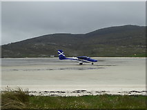 NF6905 : Plane landing at Barra Airport by Alpin Stewart