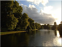 TQ2979 : St James's Park Lake by Paul Gillett