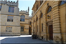 SP5106 : The Bodleian seen from Clarendon Square by N Chadwick