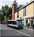 SO2800 : Wainfelin bus in Crane Street, Pontypool by Jaggery
