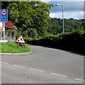 ST0880 : Weight restriction sign, Heol Pant y Gored near Creigiau by Jaggery