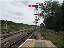 SO8555 : Semaphore signals at the southeast end of Worcester Shrub Hill station by Jaggery