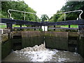SP5565 : Leaky top gate, Lock 5, Grand Union Canal by Christine Johnstone