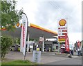 SJ9051 : Shell filling station with Spar shop by David Smith