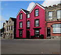 SM9005 : Colourful 3-storey house, Victoria Road, Milford Haven by Jaggery