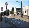 SS8986 : Start of the 20 zone, Bettws Road, Bettws by Jaggery