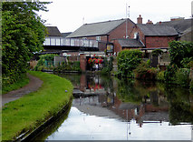 SO8171 : Canal entering Stourport in Worcestershire by Roger  Kidd