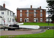 SO8171 : The Tontine at Stourport Basin, Worcestershire by Roger  Kidd